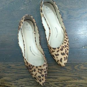 Time and Tru leopard point ballet flats size 9